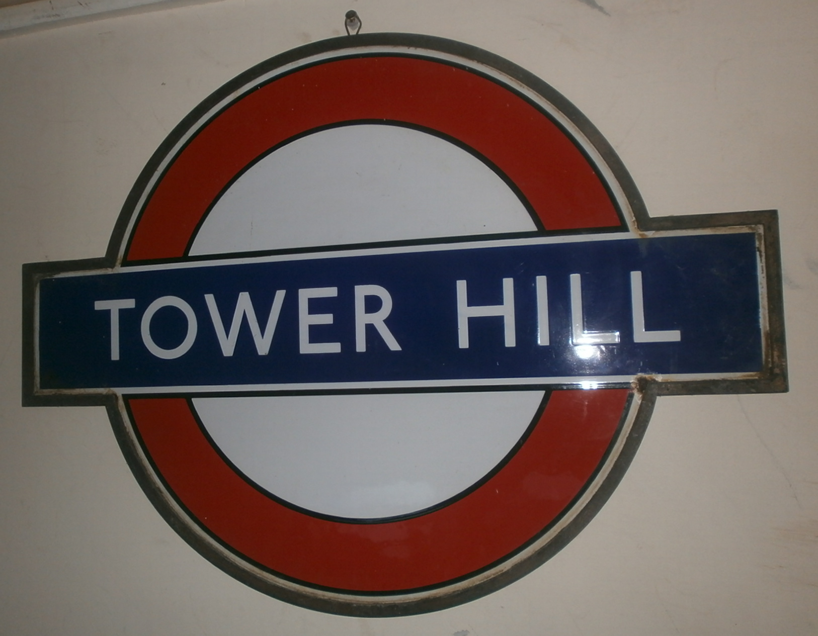 Tower Hill Roundel 1940s