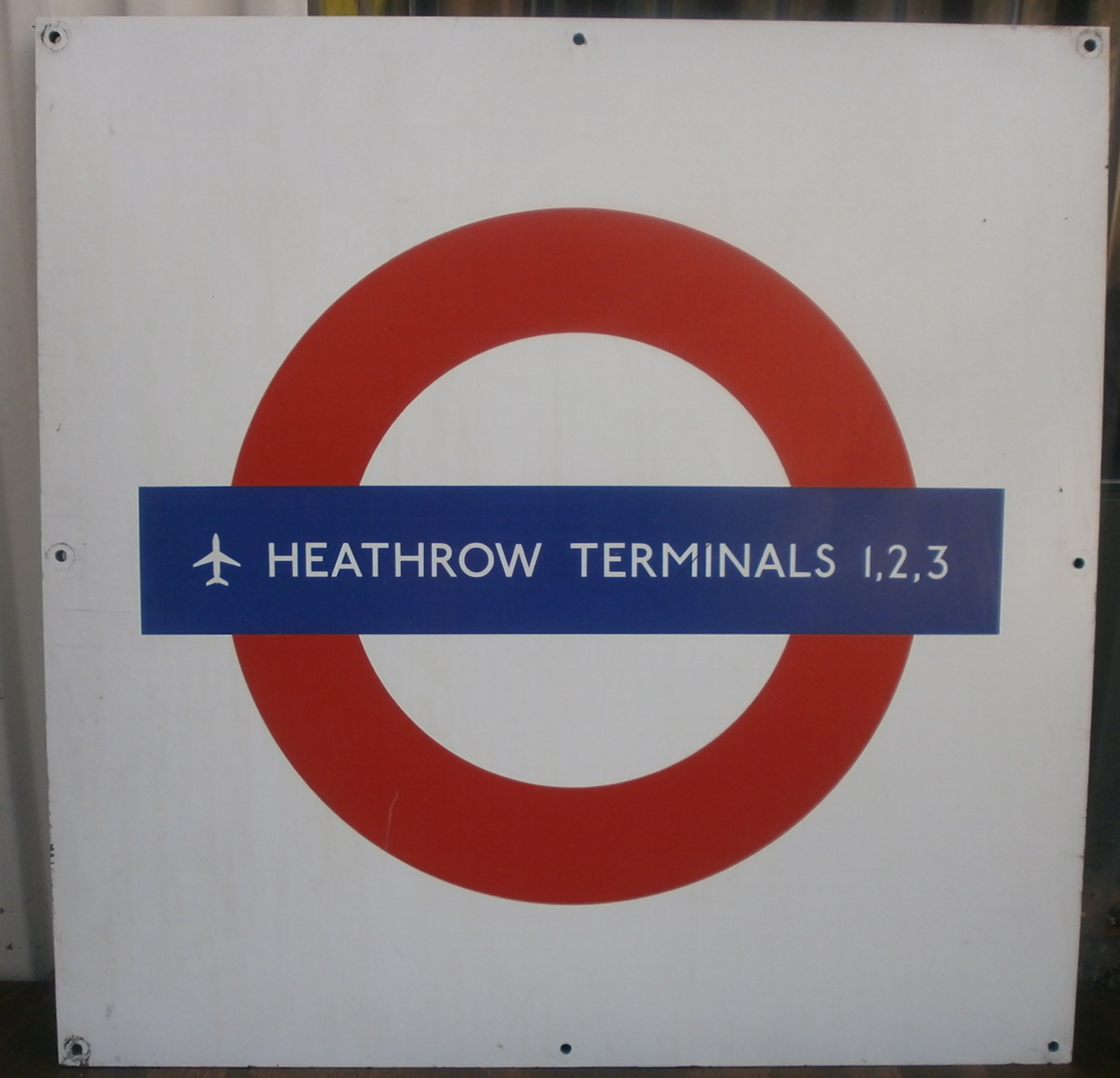Heathrow Formica Roundel